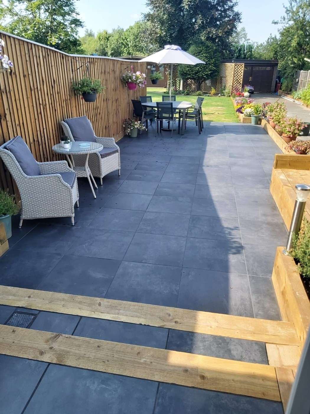 Outdoor seating area Porcelain Paving