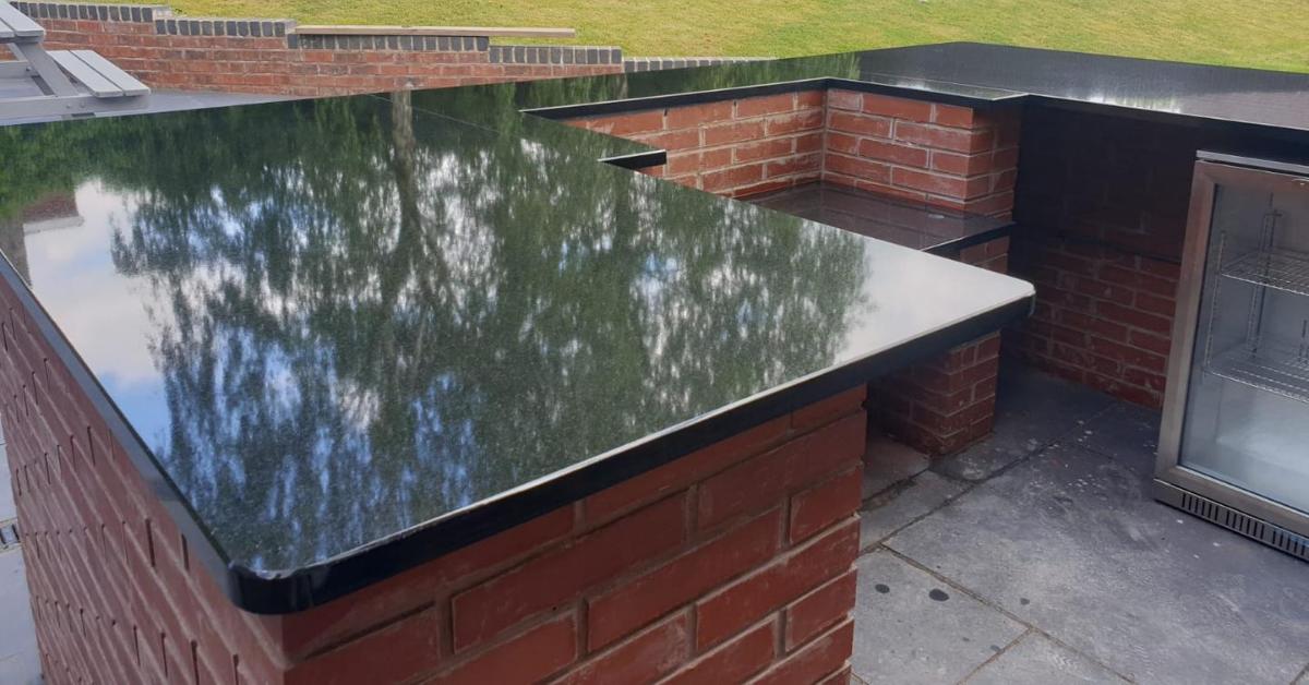 BBQ outdoor kitchen area-Granite